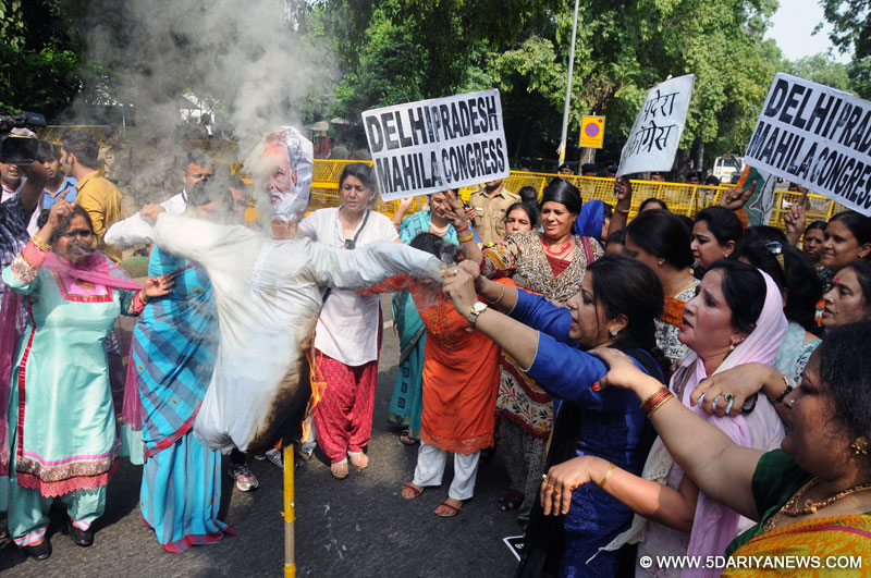 New Delhi: Delhi Mahila Congress workers stage a demonstration against the suspension of Congress MPs in New Delhi, on Aug 4, 2015.