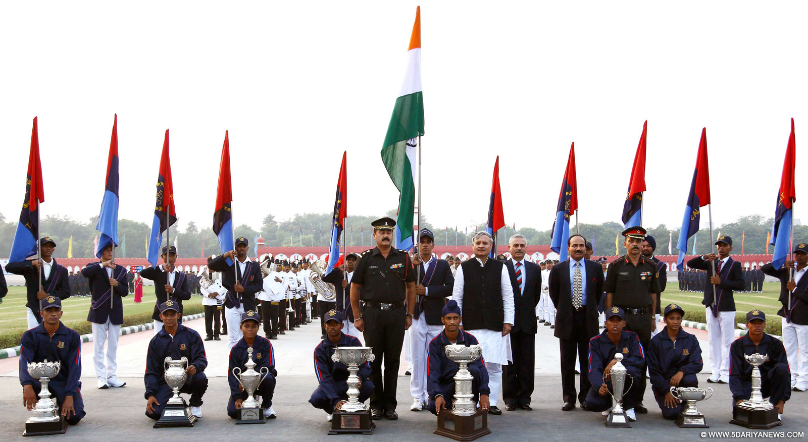 The Minister of State for Planning (Independent Charge) and Defence, Shri Rao Inderjit Singh in a group photograph with the RRM - winners of Throphies for each events of the NCC games 2015 VIJL0566, at the Closing Ceremony of NCC National Games 2015, at DGNCC Garrison Parade Ground, in New Delhi on October 17, 2015. The Chief of the Air Staff, Air Chief Marshal Arup Raha and other dignitaries are also seen.