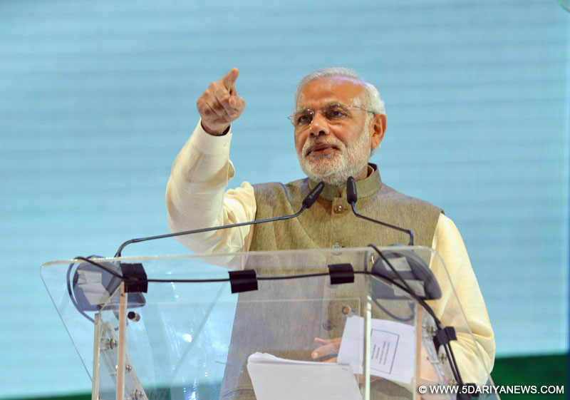 The Prime Minister, Shri Narendra Modi addressing at the Community Programme, in Kuala Lumpur, Malaysia on November 22, 2015.