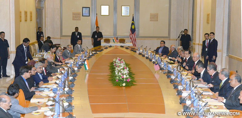 The Prime Minister, Narendra Modi and the Prime Minister of Malaysia,  Najib Razak leading the delegation level talks, in Putrajaya, Malaysia on November 23, 2015.