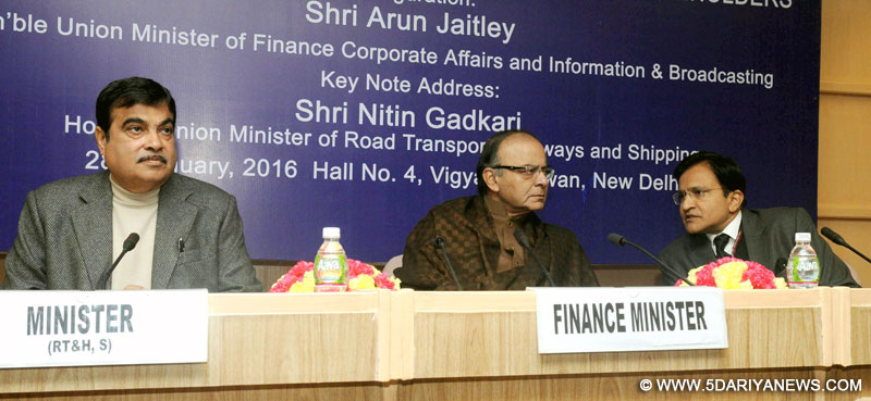 The Union Minister for Road Transport & Highways and Shipping, Shri Nitin Gadkari, the Union Minister for Finance, Corporate Affairs and Information & Broadcasting, Shri Arun Jaitley and the Chairman of National Highways Authority of India (NHAI), Shri Raghav Chandra at the Interactive Session with the Highways Sector Stakeholders, in New Delhi on January 28, 2016.