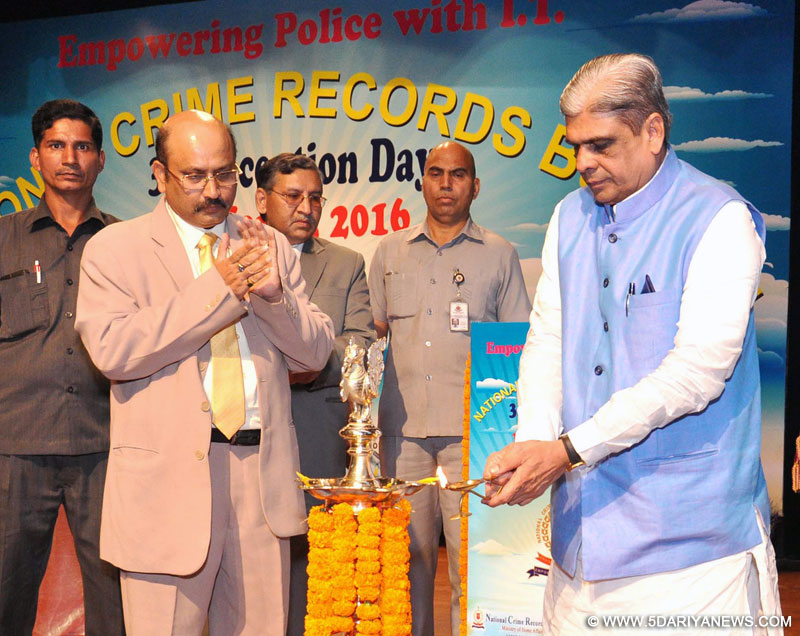The Minister of State for Home Affairs, Shri Haribhai Parthibhai Chaudhary lighting the lamp at the 31st Inception Day of the National Crime Records Bureau, in New Delhi on March 11, 2016.