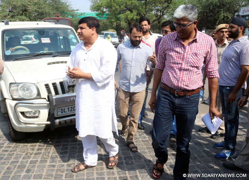 AAP leaders Ashutosh, Sanjay Singh, Dilip Pandey and Ashish Khetan arrive at Delhi university to meet Vice Chancellor Yogesh Tyagi in New Delhi, on May 10, 2016.