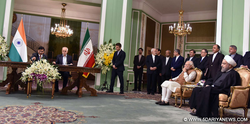 The Prime Minister, Shri Narendra Modi and the President of Iran, Mr. Hassan Rouhani witnessing the signing of agreements between India and Iran, in Tehran on May 23, 2016.