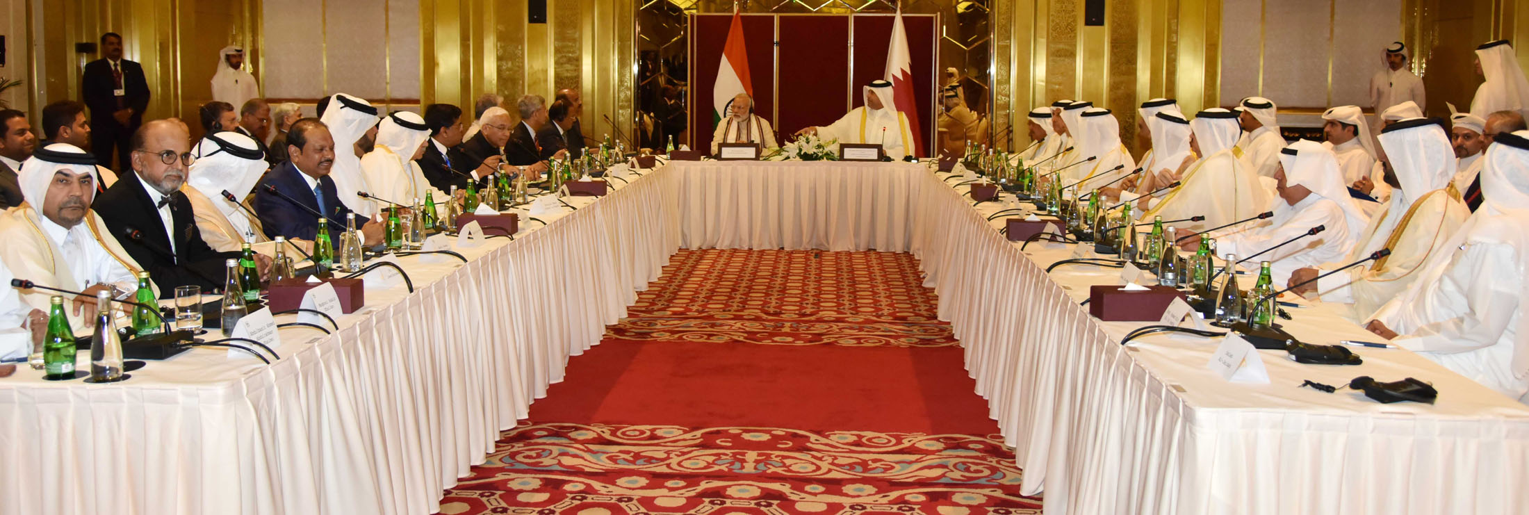 The Prime Minister, Shri Narendra Modi with the Business Leaders during a Round Table meeting, at Doha, Qatar on June 05, 2016.