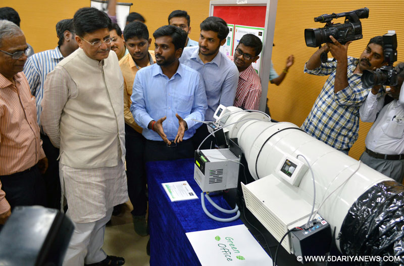 The Minister of State for Power, Coal, New and Renewable Energy and Mines (Independent Charge), Shri Piyush Goyal having a look at exhibits of Green Technology, at IIT Madras, Tamil Nadu on July 15, 2016.