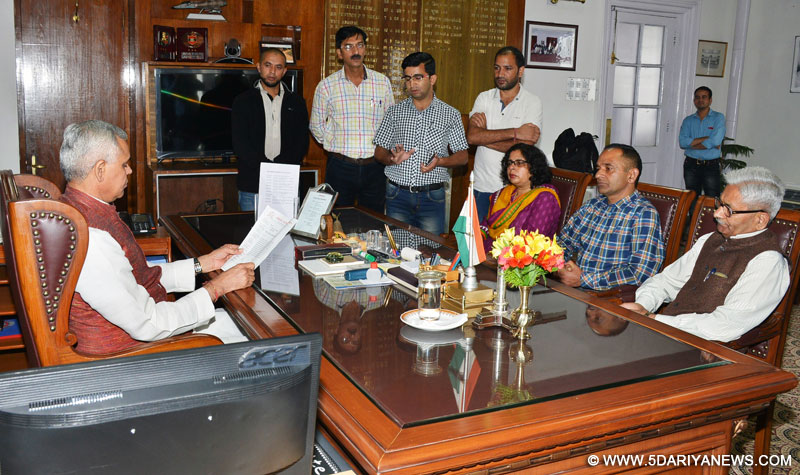 Press Club Shimla Members call on Governor