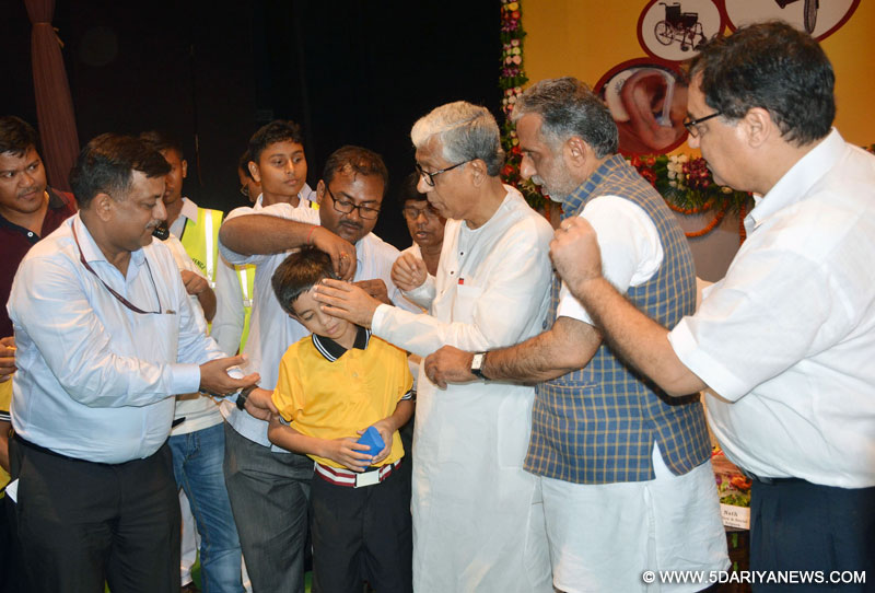 The Chief Minister of Tripura, Shri Manik Sarkar and the Minister of State for Social Justice & Empowerment, Shri Krishan Pal at the distribution camp of the aids and assistive devices to the persons with disabilities (Divyangjan), in Agartala, Tripura on August 27, 2016.