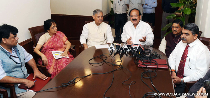 The Union Minister for Urban Development, Housing & Urban Poverty Alleviation and Information & Broadcasting, Shri M. Venkaiah Naidu addressing at the signing ceremony of the Memorandum of Understanding on youth engagement to promote Swachh Bharat Mission, in New Delhi on August 30, 2016. The Minister of State for Planning (Independent Charge) and Urban Development, Housing and Urban Poverty Alleviation, Shri Rao Inderjit Singh is also seen.