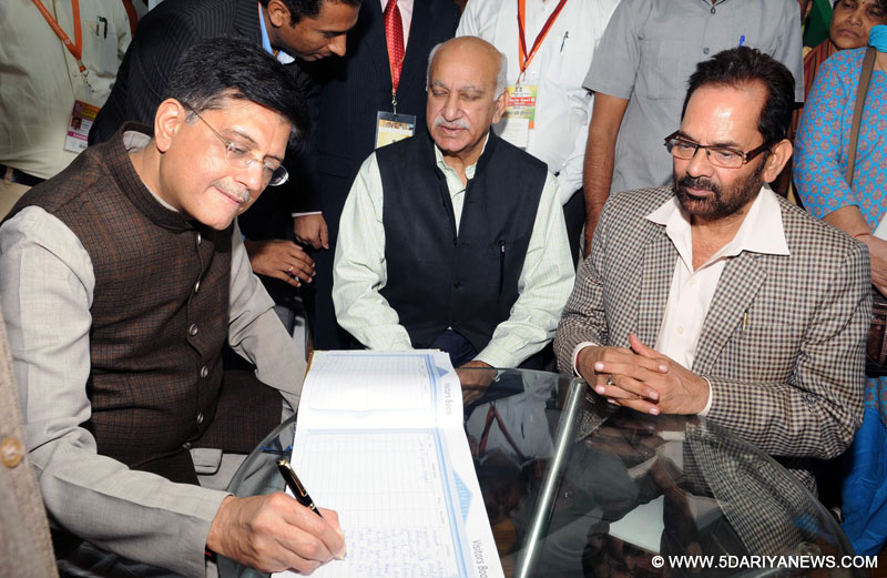 The Minister of State for Minority Affairs (Independent Charge) and Parliamentary Affairs, Shri Mukhtar Abbas Naqvi along with the Minister of State for Power, Coal, New and Renewable Energy and Mines (Independent Charge), Shri Piyush Goyal and the Minister of State for External Affairs, Shri M.J. Akbar at the inauguration of the Hunar Haat, during the 36th India International Trade Fair (IITF-2016), at Pragati Maidan, in New Delhi on November 15, 2016.