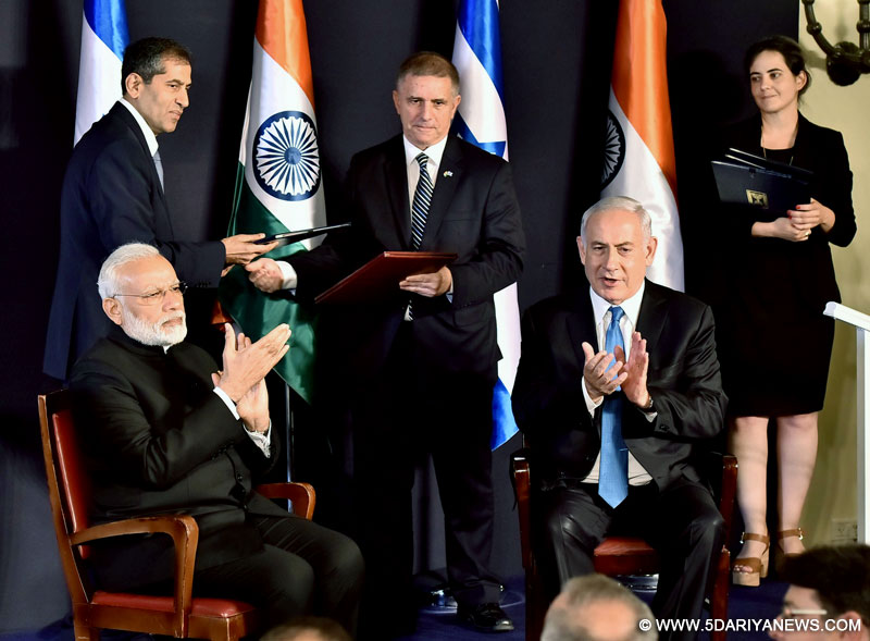 The Prime Minister, Shri Narendra Modi and the Prime Minister of Israel, Mr. Benjamin Netanyahu witnessing the exchange of agreements between India and Israel, in Jerusalem, Israel on July 05, 2017.