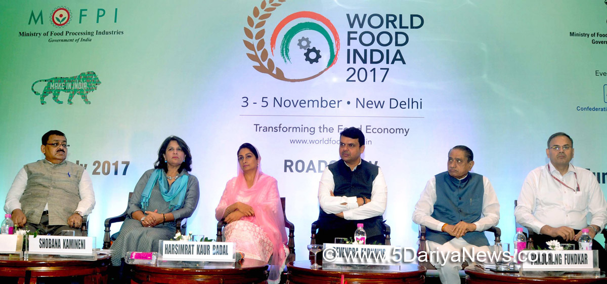 The Union Minister for Food Processing Industries, Smt. Harsimrat Kaur Badal at the Road Show on World Food India – 2017, in Mumbai on July 21, 2017. The Chief Minister of Maharashtra, Shri Devendra Fadnavis and other dignitaries are also seen.