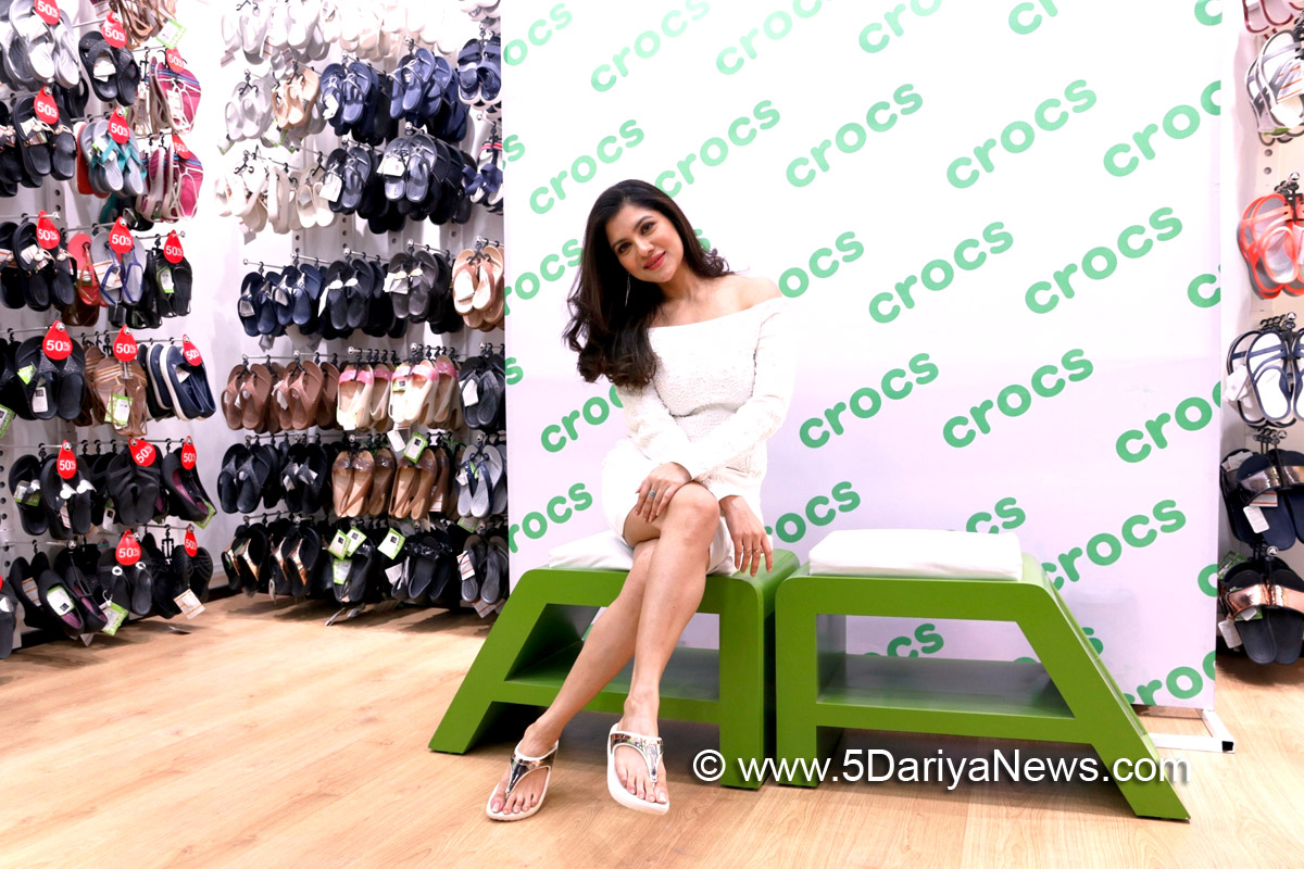 Bengali Diva 'Payel Sarkar' launches Crocs India's new store in