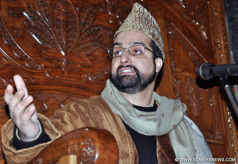 Situation developing on ground alarmed people: Mirwaiz Umar Farooq
