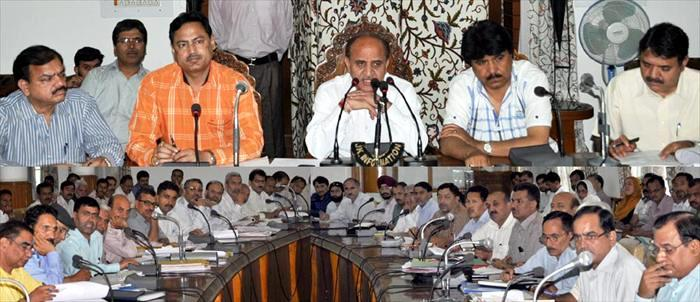 Deputy Chief Minister, Tara Chand chairing State level officers meeting of school education department at Srinagar