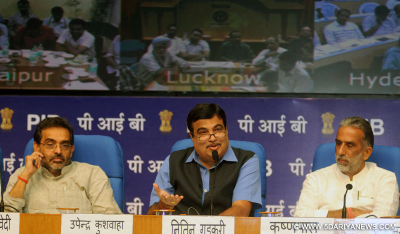 Nitin Gadkari briefing the media, in New Delhi on September 15, 2014.