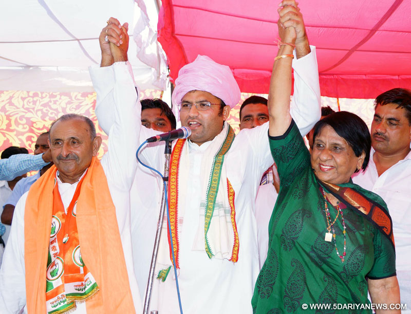 Entire Congress is United now & all are working for Cong Victory: Ashok Tanwar