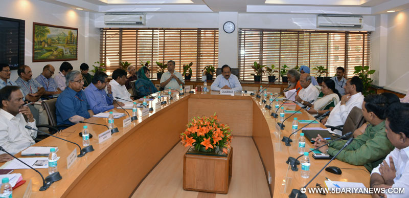 Dr. Harsh Vardhan chairing the first meeting of the newly constituted Consultative Committee of Parliament for the Ministry of Health and Family Welfare, in New Delhi on October 15, 2014.